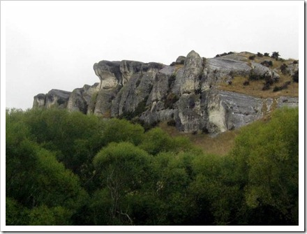 Huge rock formations through Weka Pass