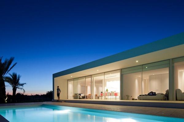 Casa-minimalista-en-Tavira-por-Vitor-Vilhena