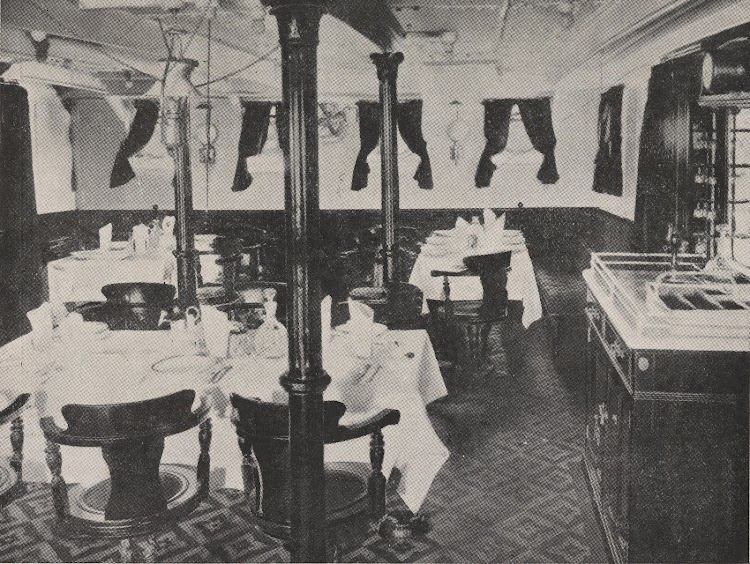Interior de uno de los correos. Foto del Archivo FEDAC.jpg
