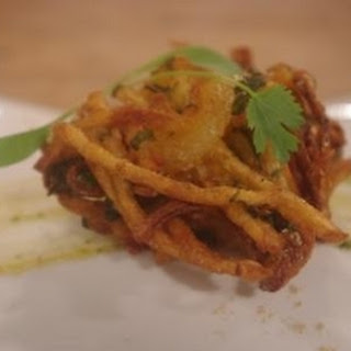 Onion And Spinach Pakora With Mango Chutney
