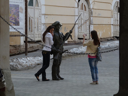 Instantaneu Alba Iulia: iubitoare de soldati habsburgi