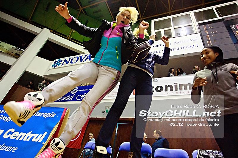 Bojana Vulic, Adina Pop și Veronica Hicks de la BC Nova Vita / BC Mureș - U Mobitelco (Playoff M4), 19 aprilie 2012