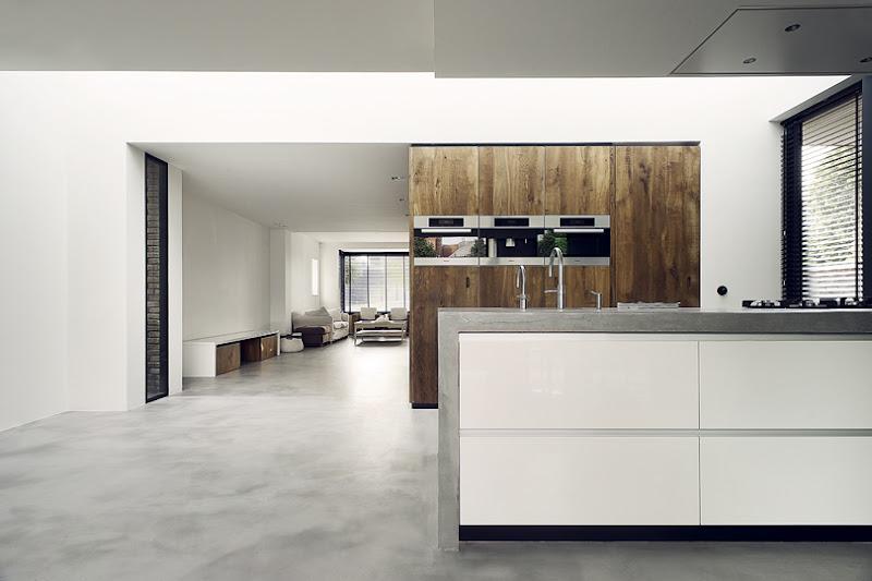 Keuken eiken massief met beton-blad