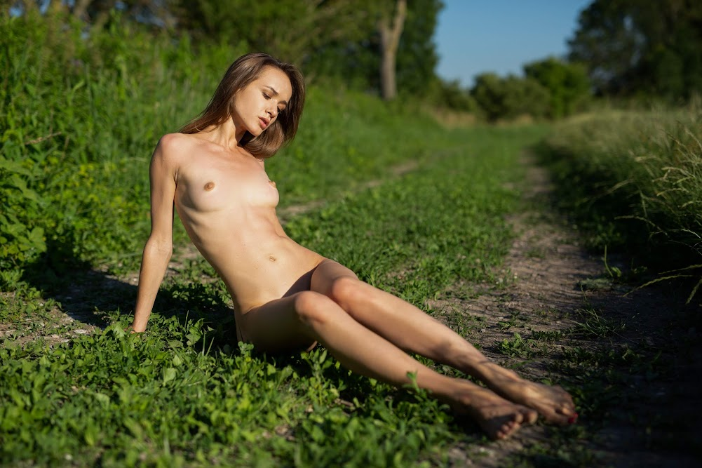 [Playboy Plus] Vi Shy - Stirring Fields - Girlsdelta