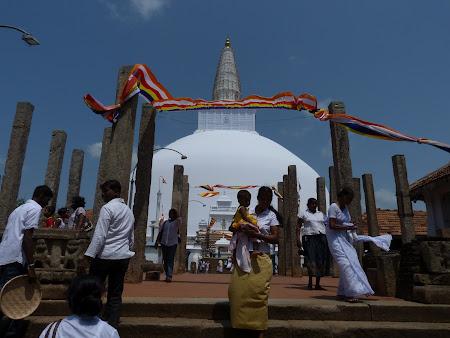 Dagoba Sri Lanka: marea stupa de la Anuradhapura