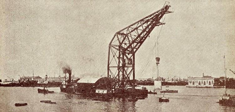 La grua de 80 toneladas de la J.O.P de Valencia.Del libro La Union Naval de Levante. 1924-1949.jpg