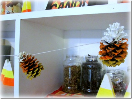 Candy Corn Pinecone Garland {Krafty Kat}