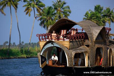 Vacanta India: Casa pe ape in Kerala