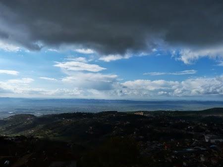 Furtuna in Albania
