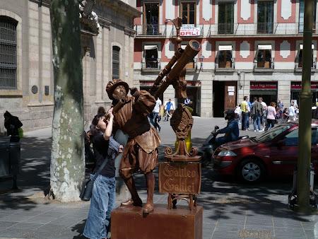 Obiective turistice Barcelona: Oameni - statuie
