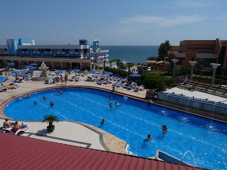 Cazare Costinesti: piscina exterioara Vox Maris