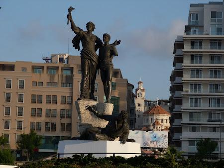 Obiective turistice Liban - Places des Martyrs, Beirut.JPG