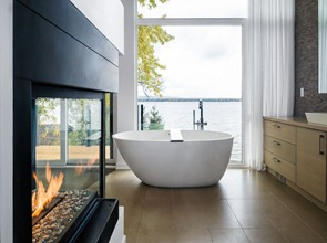 Baño-de-lujo-con-bañera-de-diseño
