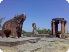 Vishnu_temple_at_Eran,_Madhya_Pradesh