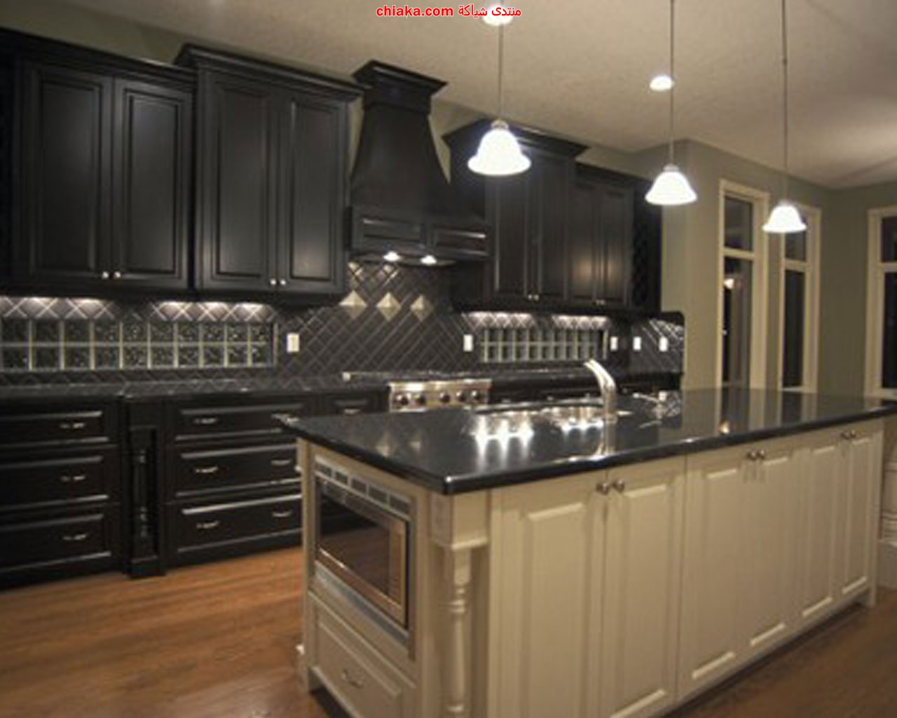 pictures of white kitchen cabinets with black appliances ديكورات مطابخ 2013 9883