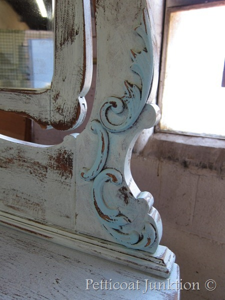 Furniture makeover in shades of turquoise