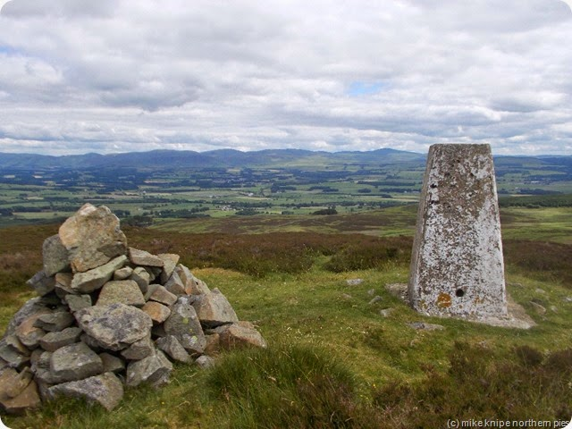 wauk hill summit