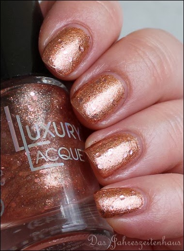 Catrice Luxury Laquers Million Brilliance C08 Glitter me if you can 2