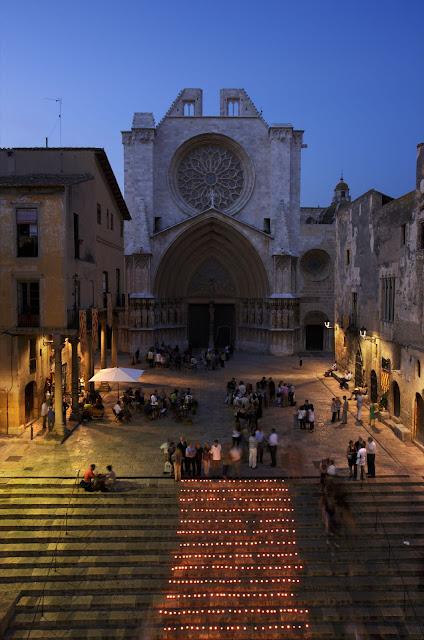 Espelmes a les escales de la Catedral. Acte commemoratiu del 200 aniversari del setge de Tarragona. Guerra del Francès. Tarragona, Tarragona, Tarragonès