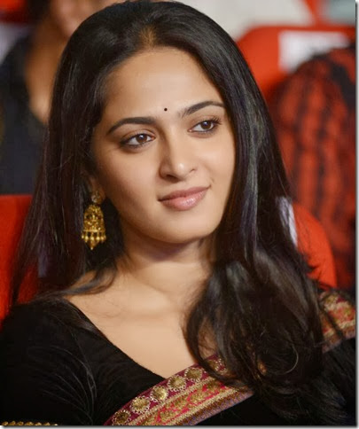 Anushka_shetty_cute_photo
