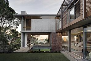 Fachada-Casa-Glen-2961-Arquitectura-SAOTA