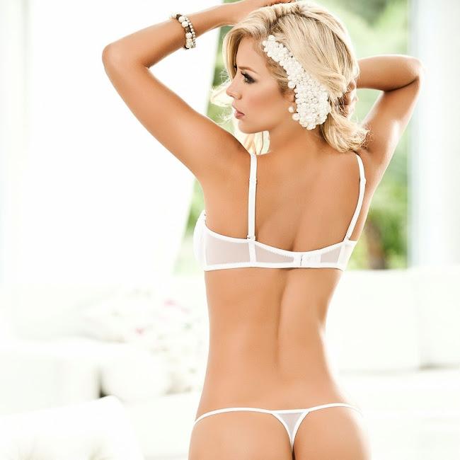 Lina Posada Sexy Fotos Catalogo Besame 2012 Foto 21