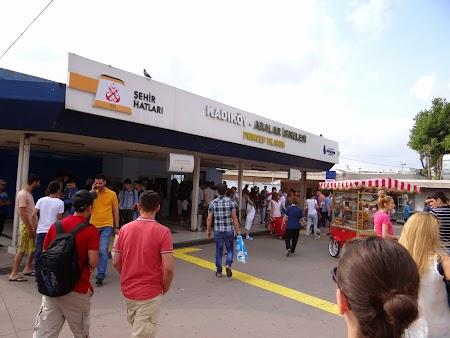 01. Statia ferry Kadikoy.JPG