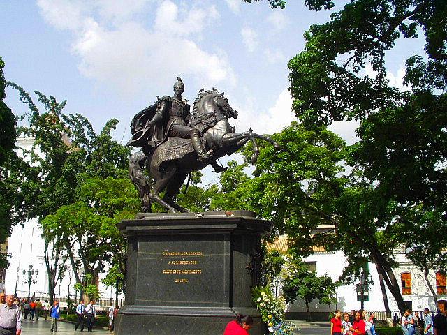 Monumento a Simon Bolivar en Caracas.jpg