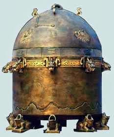 большой сигнальный приемник из бронзы считался древним сейсмографом для предсказания землетрясений