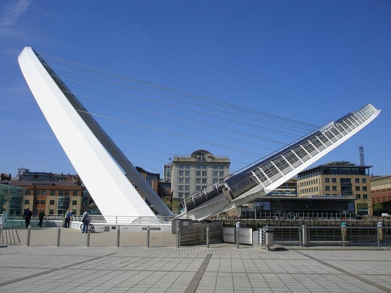 gateshead-millennium-bridge-5