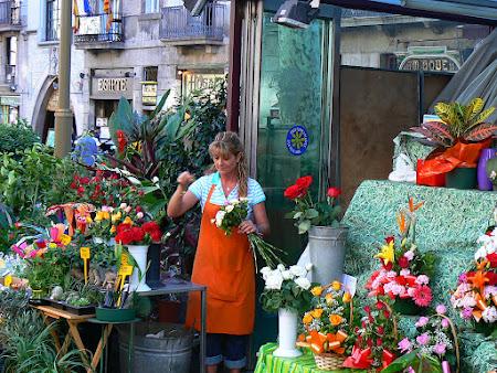 Imagini Barcelona: vanzatoare de flori pe Ramblas