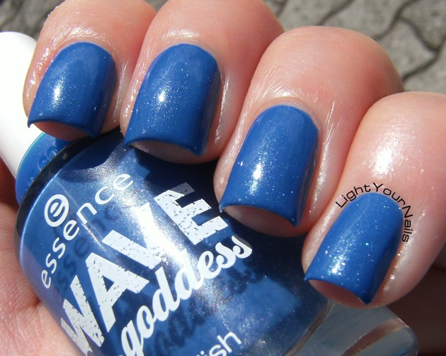 Essence Wave Goddess Crush On Blue