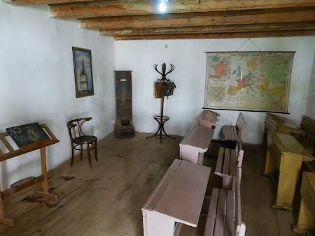 Fortificatii sasesti in Transilvania: scoala traditionala saseasca