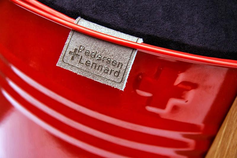 02-bucket-stool-pedersen-lennard.jpg
