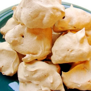 Chocolate Chip Meringue Drops
