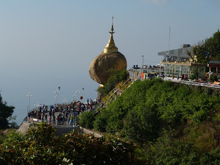 Monumente Myanmar: Golden Rock