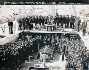 Tripulación del crucero INFANTA ISABEL. Anónimo. 1890. Nº de Reg. 254. Foto del libro HOMBRES Y BARCOS. LA FOTOGRAFIA DE LA MARINA ESPAÑOLA EN EL MUESEO NAVAL.(1.850-1.935)
