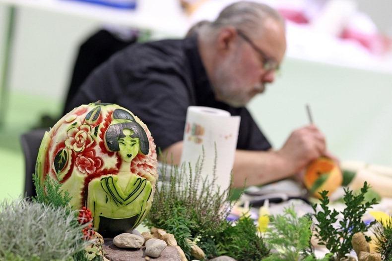 vegetable carving 92?imgmax800