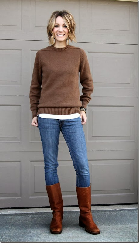 Men's sweater, tall boots and gold jewelry