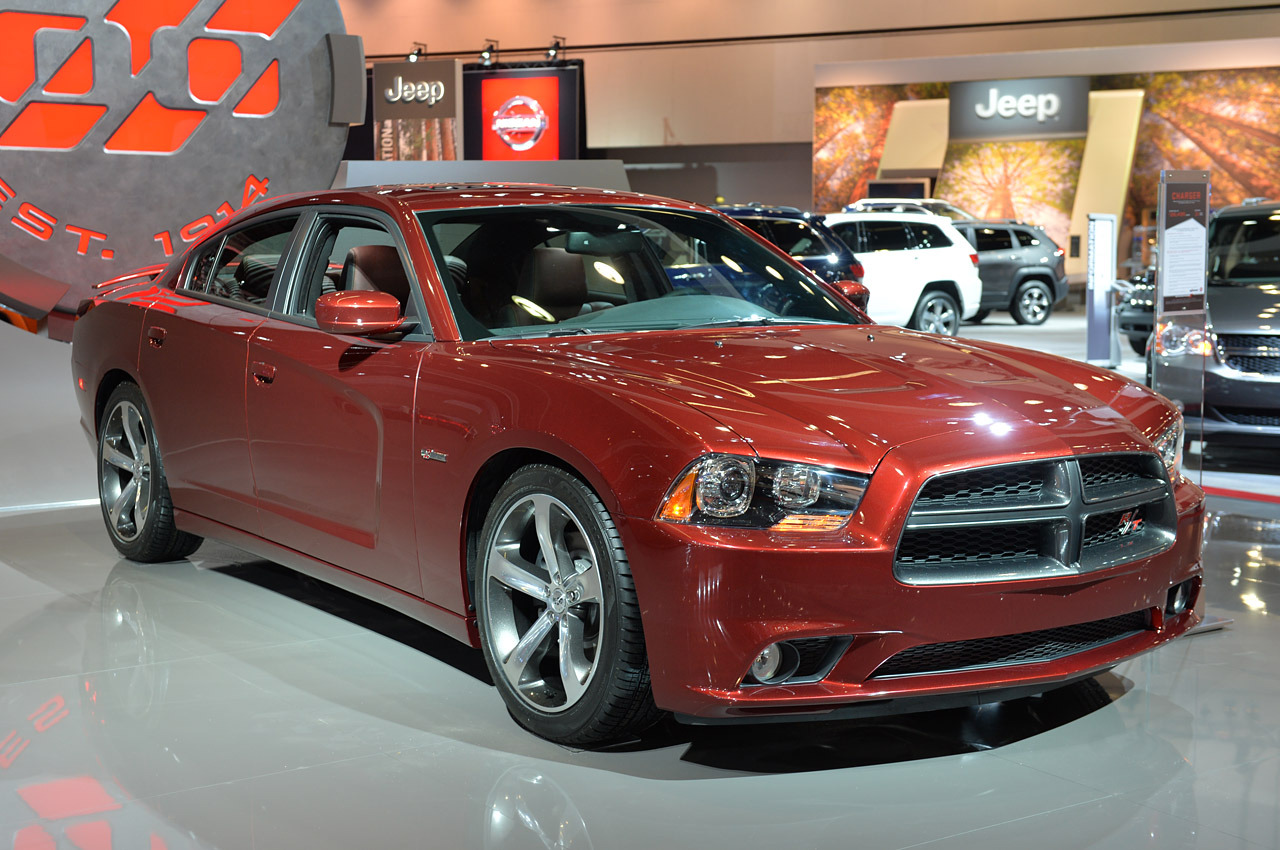 2014 dodge charger ve challenger 100th anniversary edition. Black Bedroom Furniture Sets. Home Design Ideas