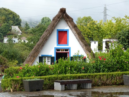19. Traditional house in Santana, Madeira.JPG