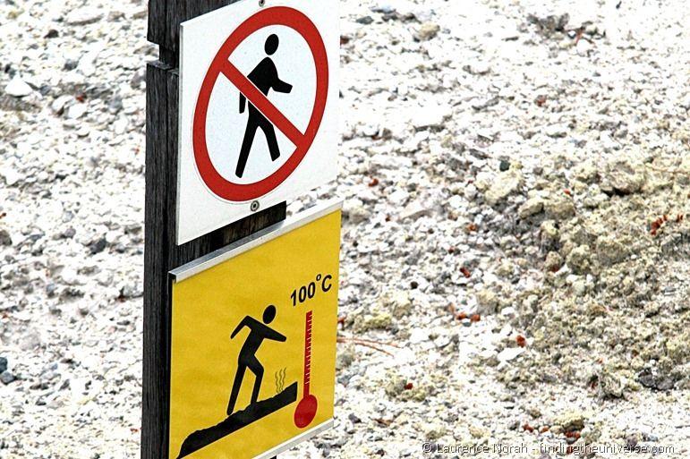 Danger sign in Wai-o-Tapu thermal reserve