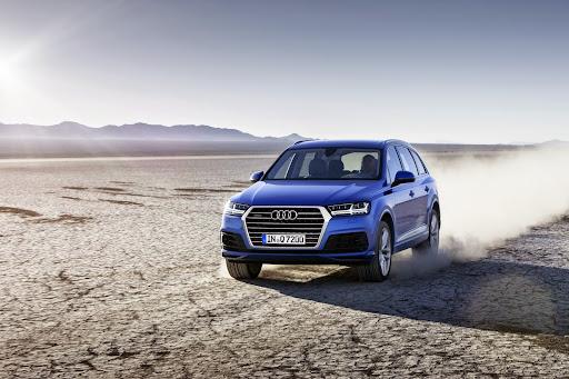 Audi-Q7-New-2016-08.jpg