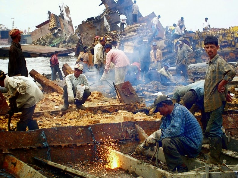 chittagong-ship-breaking-yard-12