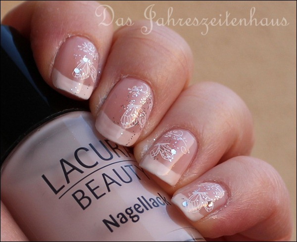 French Manicure mit Schmetterling 5