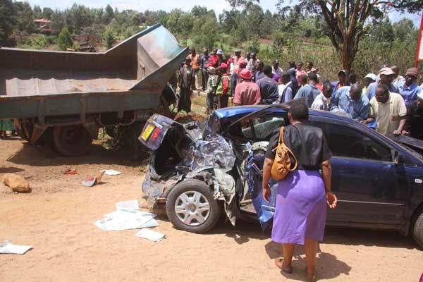 Auto NewsDesk Kenya Nyeri Road Accident Leaves Driver