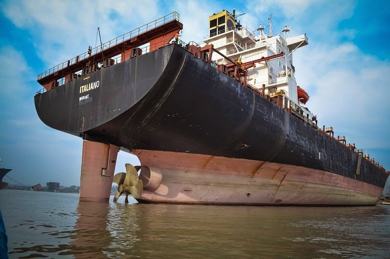 chittagong-ship-breaking-yard-8