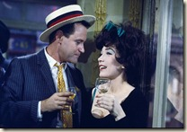 Jack Lemmon et Shirley MacLaine dans Irma la douce de Billy Wilder, 1963. © 1963 Metro-Goldwyn-Mayer Studios Inc