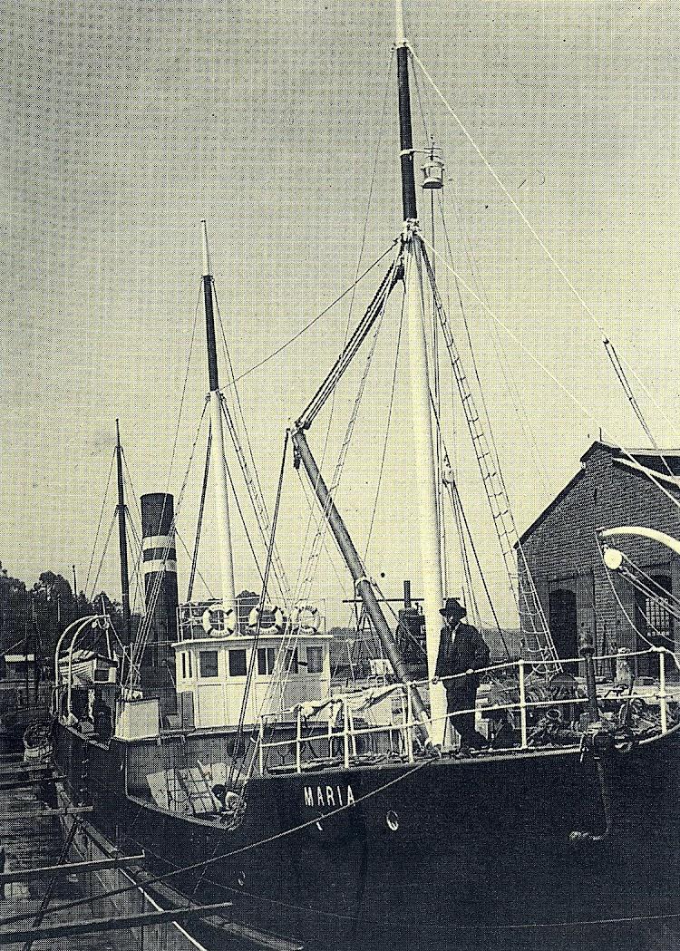 El MARIA en el dique de Astillero. Foto del libro LOS BARCOS DE PEREZ Y CIA.JPG
