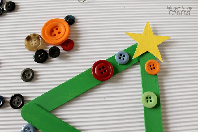 #Decoart Christmas kid craft with popsicle sticks